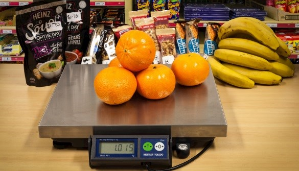 POS scales weighing oranges