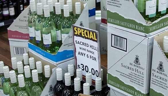 IdealPos bottle shop specials labels
